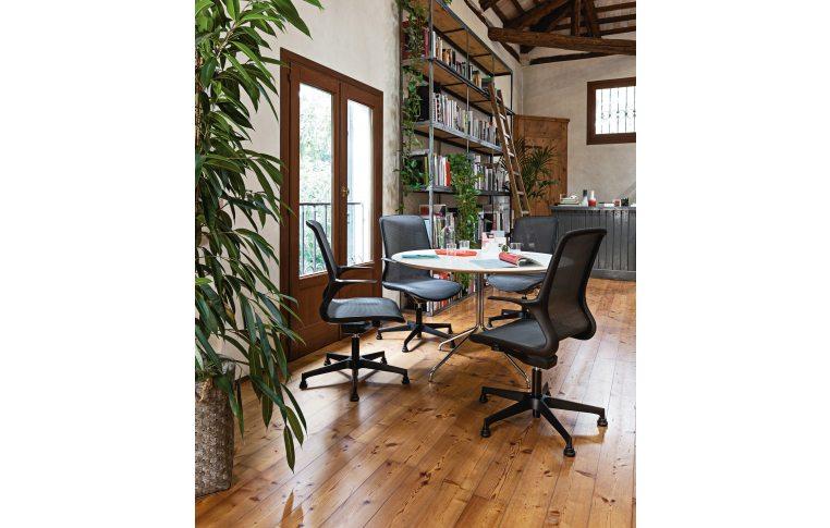 Кресла для руководителя: купить Кресло Loop белый Milani - 4