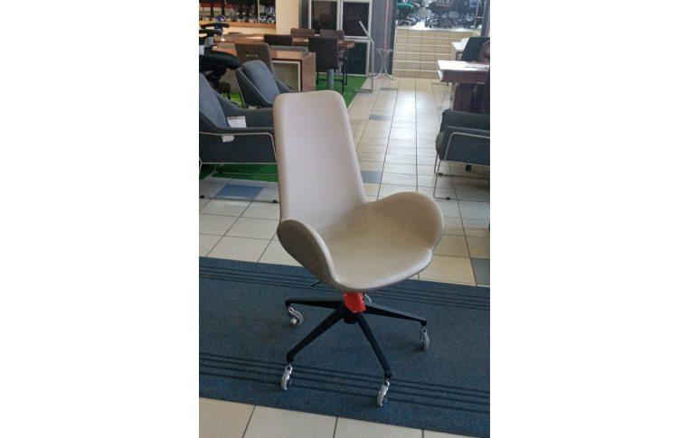 Конференц кресла и стулья: купить Кресло L 70 P 64 Midj - 1